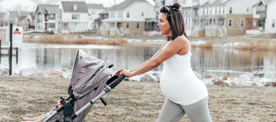 Cum previi durerea de spate in timpul sarcinii.