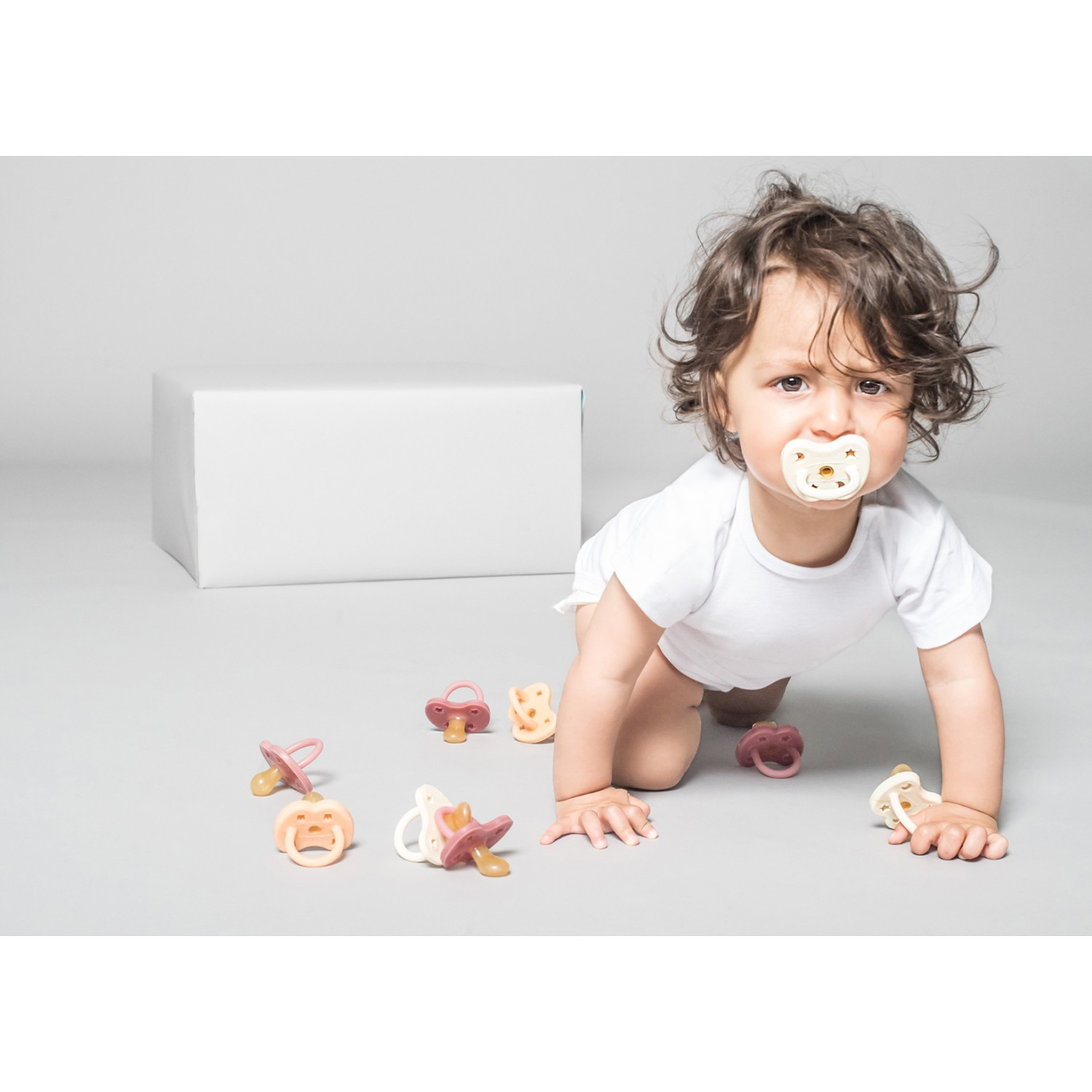 HEVEA ORTHODONTIC PACIFIER | MILKY WHITE  0-3 MONTHS