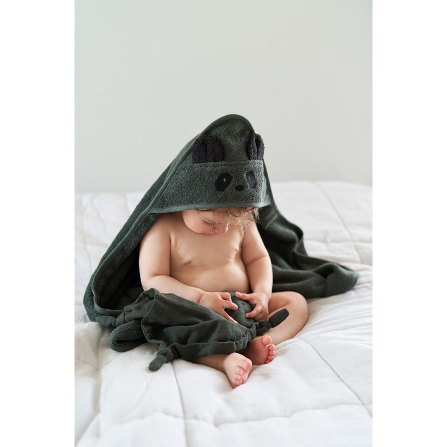 Albert Hooded Baby Towel | Panda hunter green
